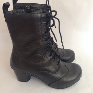 Dansko Nat Granny Wingtip Black 8/38 Lace Up Boot